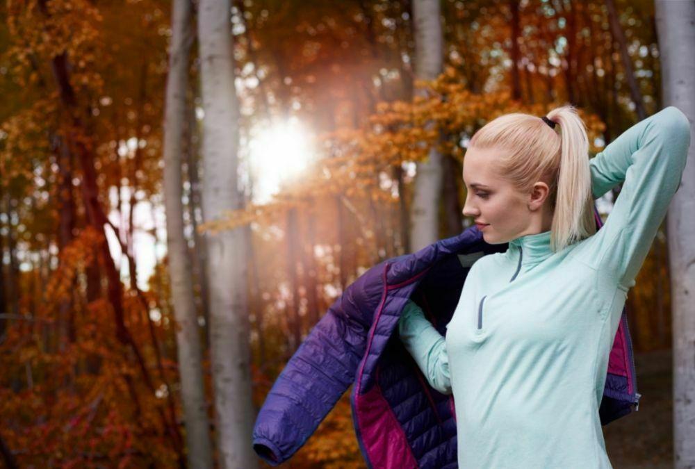 Przegląd kurtek jesiennych z sieciówek moda za niewielkie pieniądze